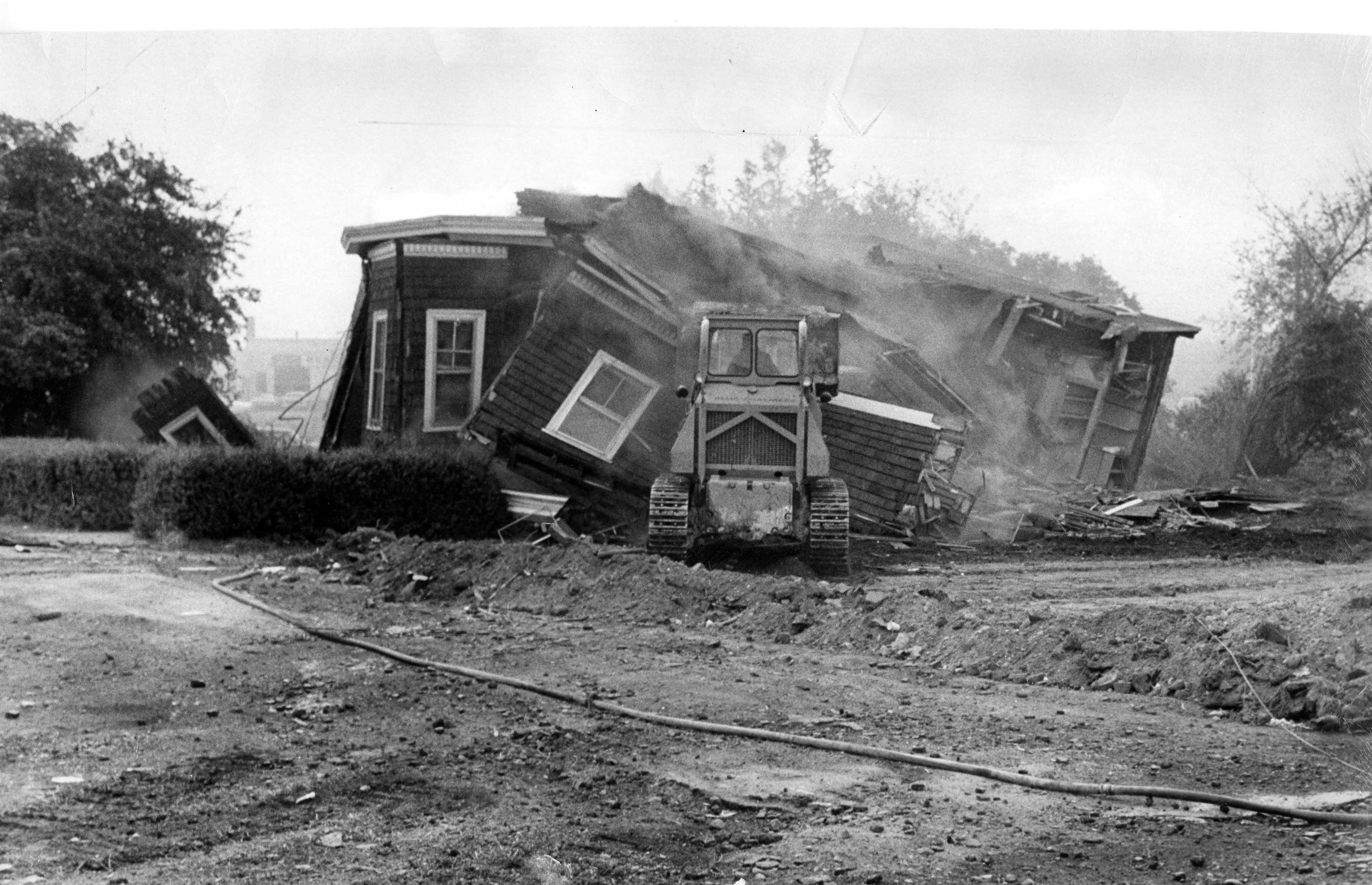 BarrysCorner 1969 Demolition1